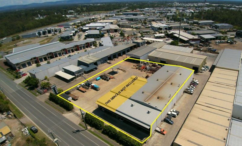 Large Open Plan Warehouse with Gantry Crane for Lease