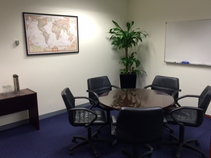TOP CLASS OFFICE AVAILABLE FOR 4 PERSON IN MELBOURNE.