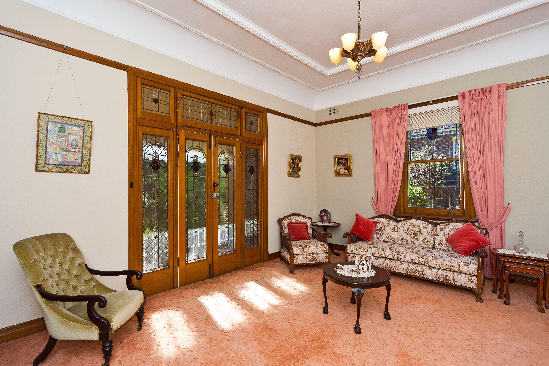 8 Minna Street, Burwood NSW 2134