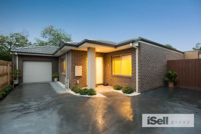 COSY, CHARMING, CONTEMPORARY & NO SHARE DRIVEWAY