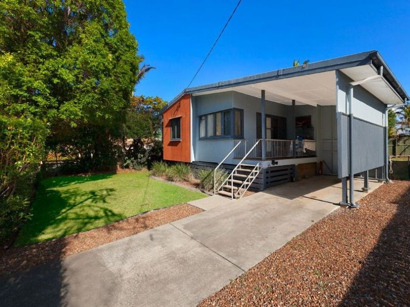 Spacious house -  Minutes from the waterfront!>