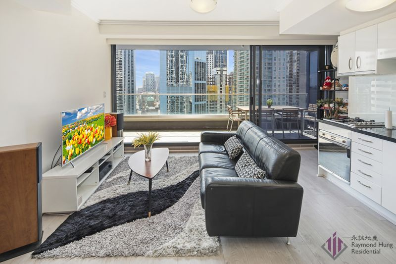 Oversized spacious one bedroom facing North with panoramic city views