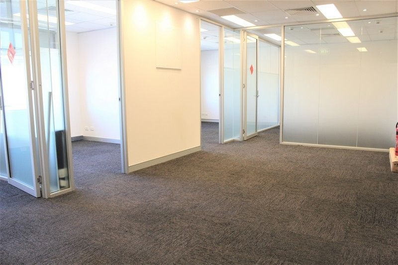 PARTITIONED WINDOWED OFFICE IN PROFESSIONAL BUILDING!
