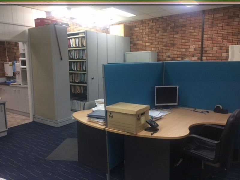 SUPERB POINT CLARE OFFICE WITH PARKING!!