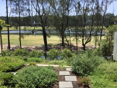 3 Bedroom Hope Island Golf Course Frontage Townhouse - Low body corporate - Close to shops.