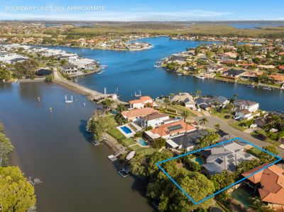 Immaculate Home on Fabulous 1111m2 North to Main River Block, Room for Caravan
