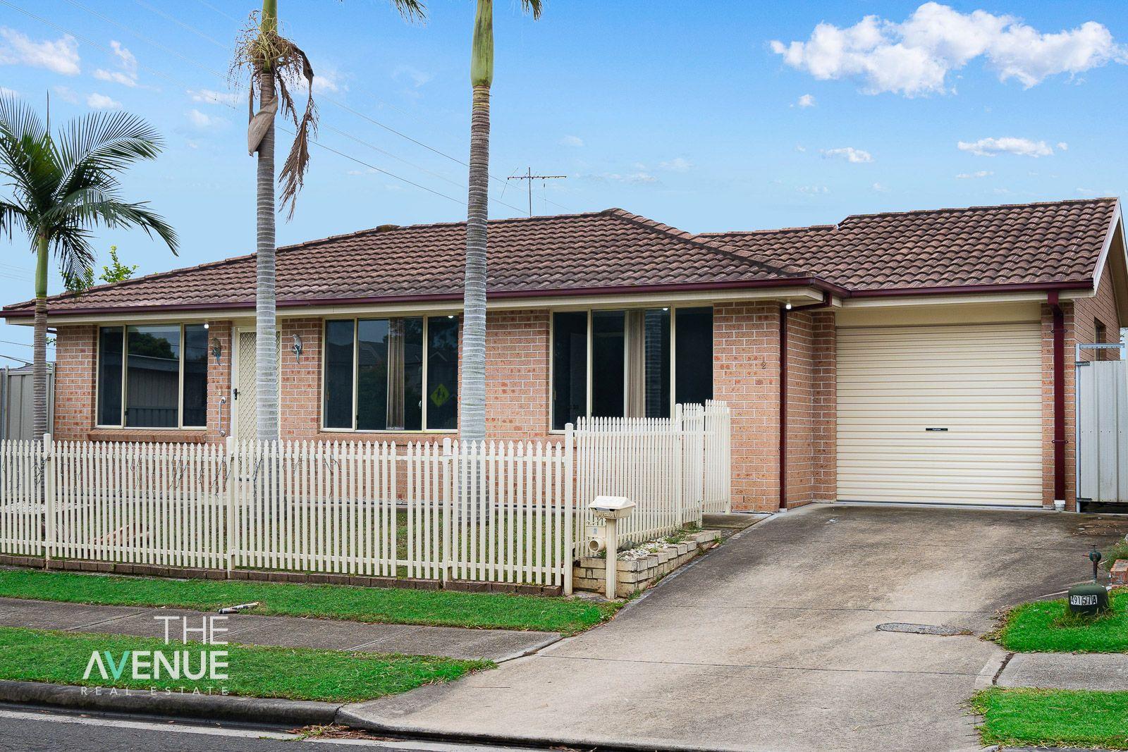 2 Lyrebird Crescent, Green Valley NSW 2168