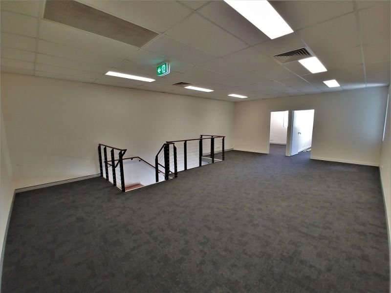 254sqm* MURARRIE OFFICE /  WAREHOUSE in GREAT LOCATION