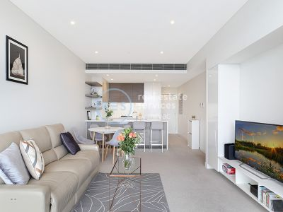 Modern, 1-Bedroom Apartment with Separate Study Room in Green Square