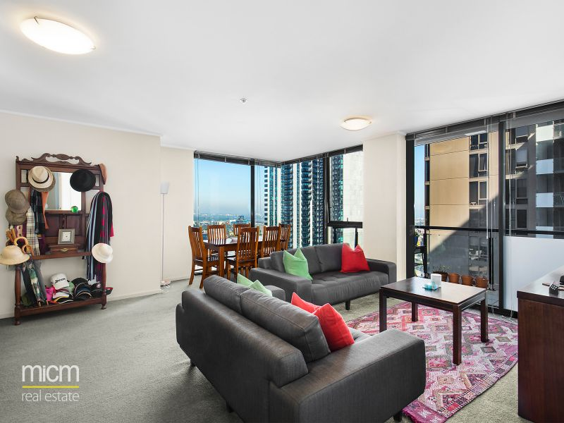 Supremely Spacious 2 Bedroom Private Entertainer!