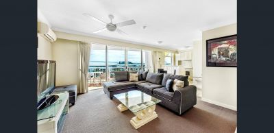 Fully Furnished Apartment - Views - Beach - Location