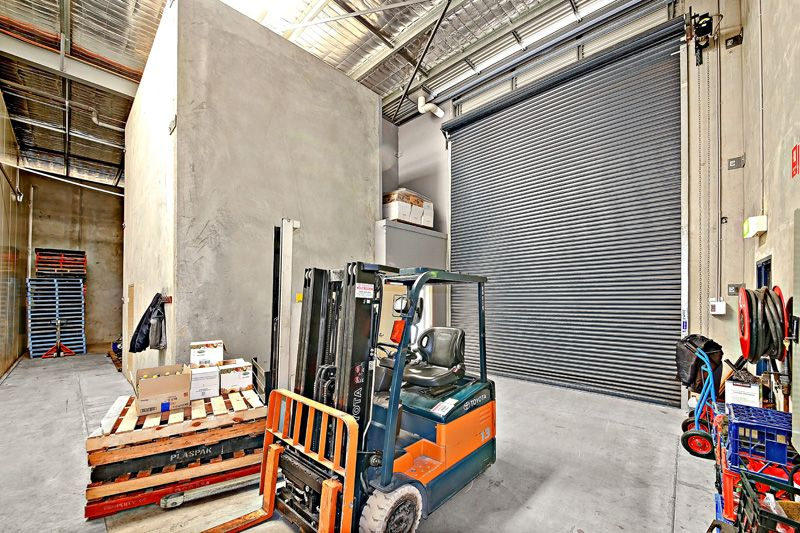 COLD STORAGE WAREHOUSE FOR SALE