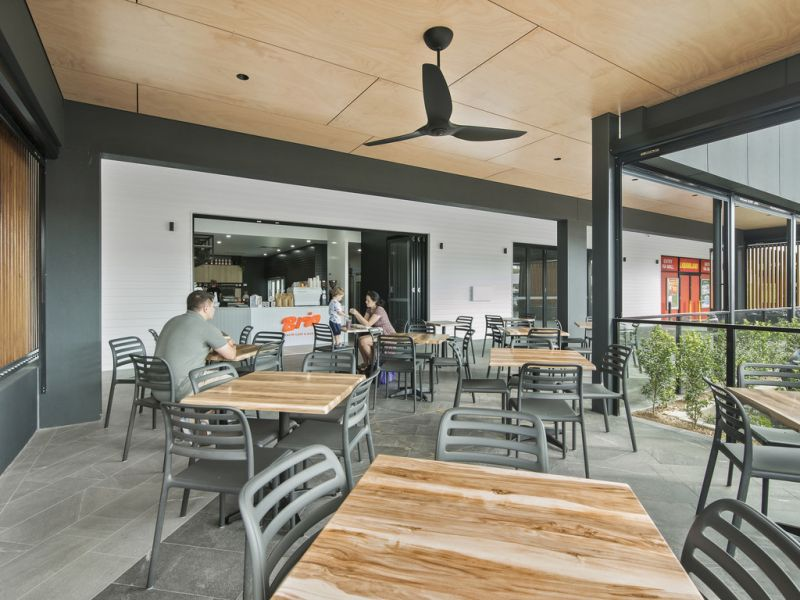 Alfresco Dining Precinct - Treetops Plaza