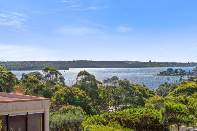 A Classic Home On An Impressive 866sqm Block Approx With Harbour Views And Development Potential