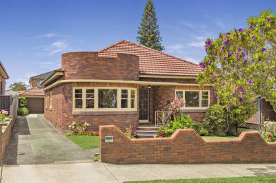 Charming Art Deco Home Set in Prime Location