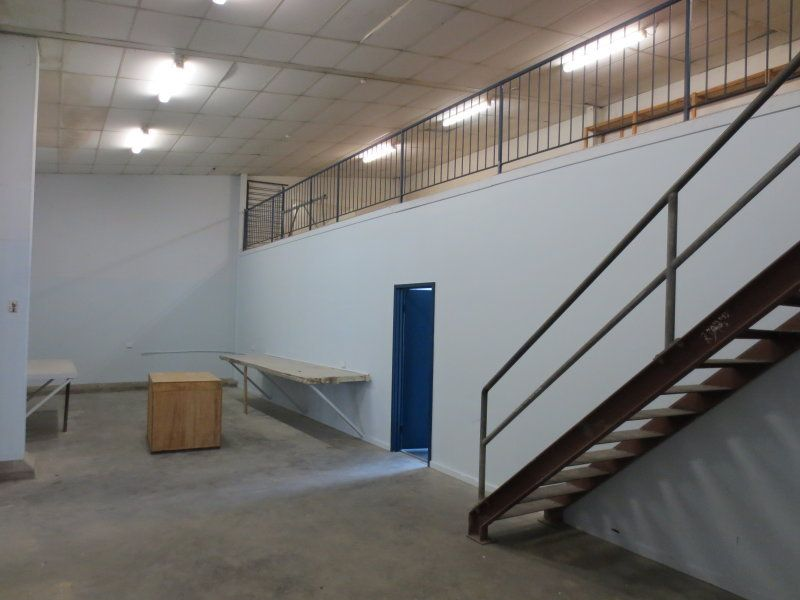 Freestander with clearspan warehouse and a fenced concrete yard