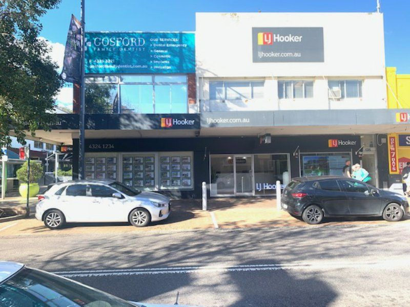 CORNER RETAIL SPACE WITH EXISTING FIT-OUT!