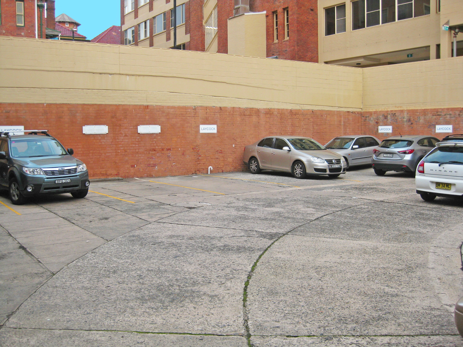 CBD Office With 6 Car Parks – YES 6!!