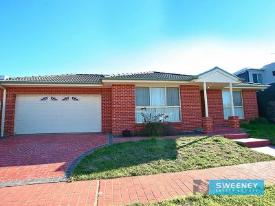 Superb unit in a sought after area