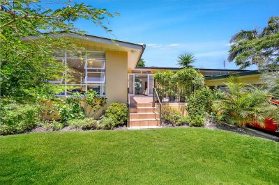QUALITY HOUSE WITH DUAL LIVING LOCATED IN THE TIGHTLY HELD TSS PRECINCT.