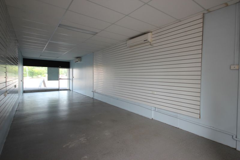 Professional Office / Retail Suite - For Lease