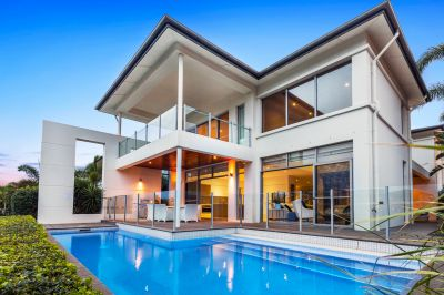 Outstanding Opportunity - Commanding Waterfront Entertainer