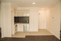 2 bedroom apartment in prime location!