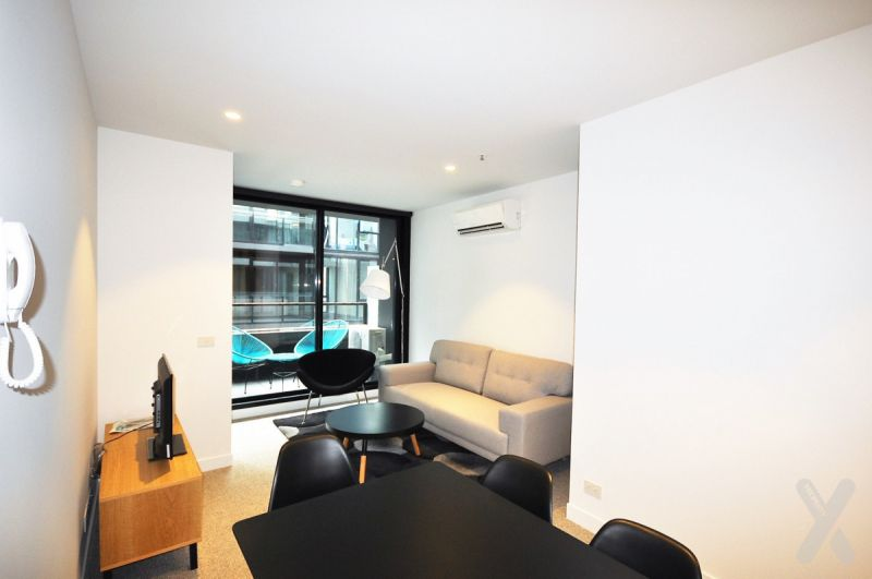 PRIVATE INSPECTION AVAILABLE - Spacious Partly Furnished/Unfurnished Two Bedroom Apartment in Collingwood!