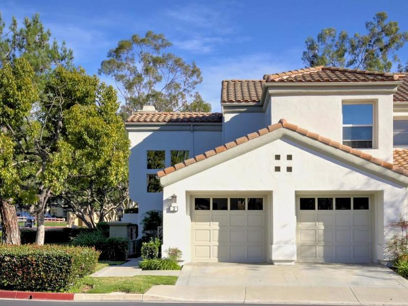 In Escrow! Dramatic 2 Story home w/ 2 Master Suites!