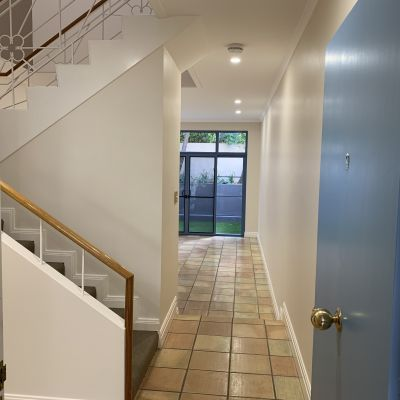 2 BEDROOMS + STUDY TOWNHOUSE + SECURE PARKING