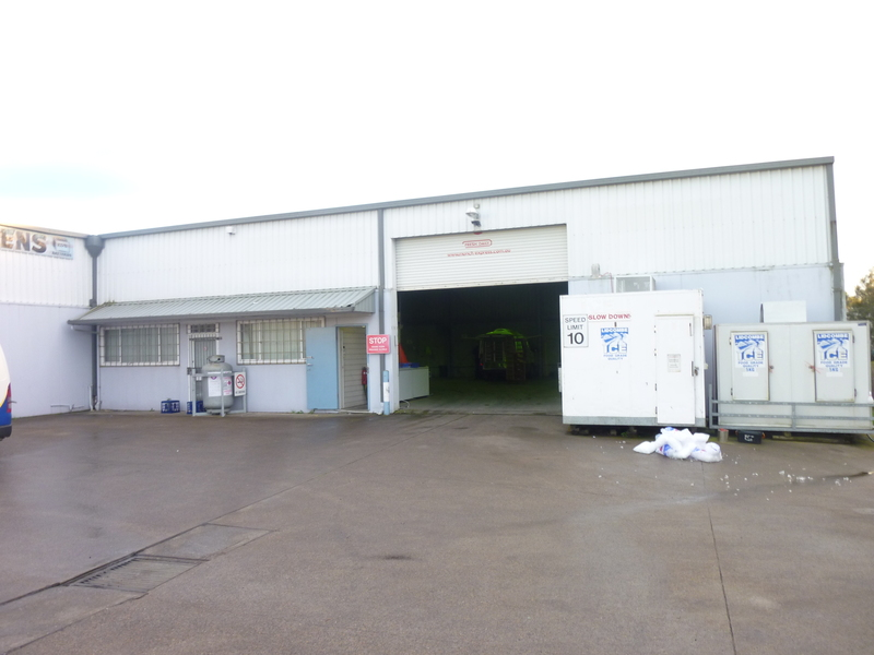 Clear Span Warehouse for Lease