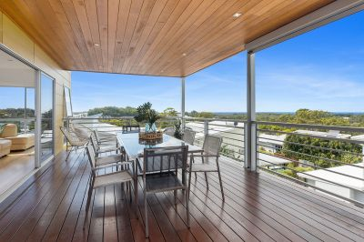 Stunning Residence With Panoramic Views
