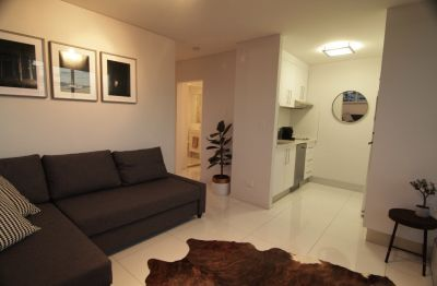 Inner City One Bedroom Furnished Unit