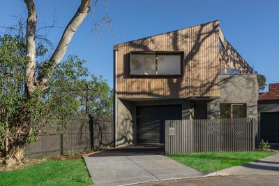 Architectural Designed, Pristine Style, Parkland Setting