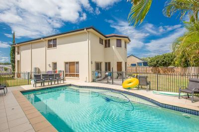Large Family Home in Central Benowa!