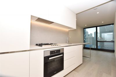 Australia 108: Luxurious One Bedroom Apartment In Melbourne's Tallest Tower! L/B
