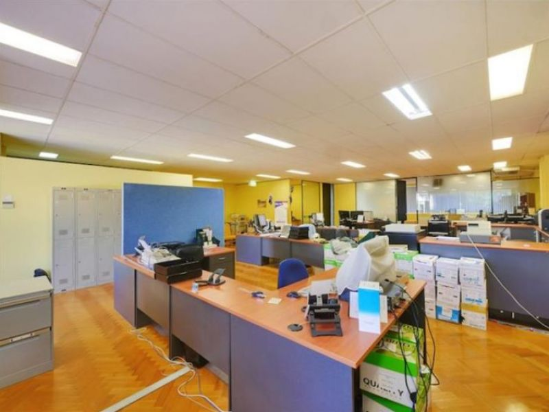 Prominent Freestanding Office/Warehouse For Lease