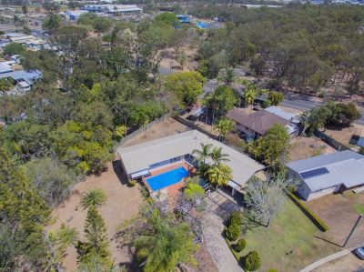 LUXURY FAMILY ENTERTAINER ON 2,223m2 GROUNDS!