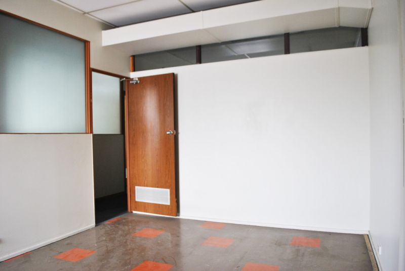 GROUND FLOOR RETAIL SHOPS / FIRST FLOOR OFFICES - IN HIGH PROFILE LOCATION