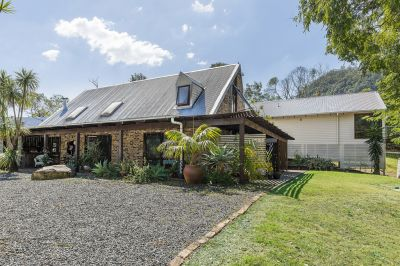 Architectural style, 5-bedroom, 4-bathroom Acreage home