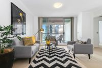 Sophisticated Sky Home In The Heart Of Chatswood CBD
