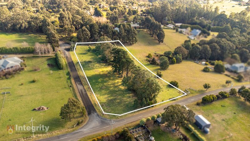 PERFECTLY POSITIONED 2.2 ACRES IN QUIET STREET