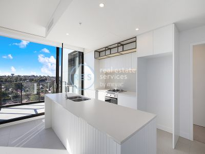 North-Facing 2-Bedroom Apartment with Stunning City Views in Marrickville