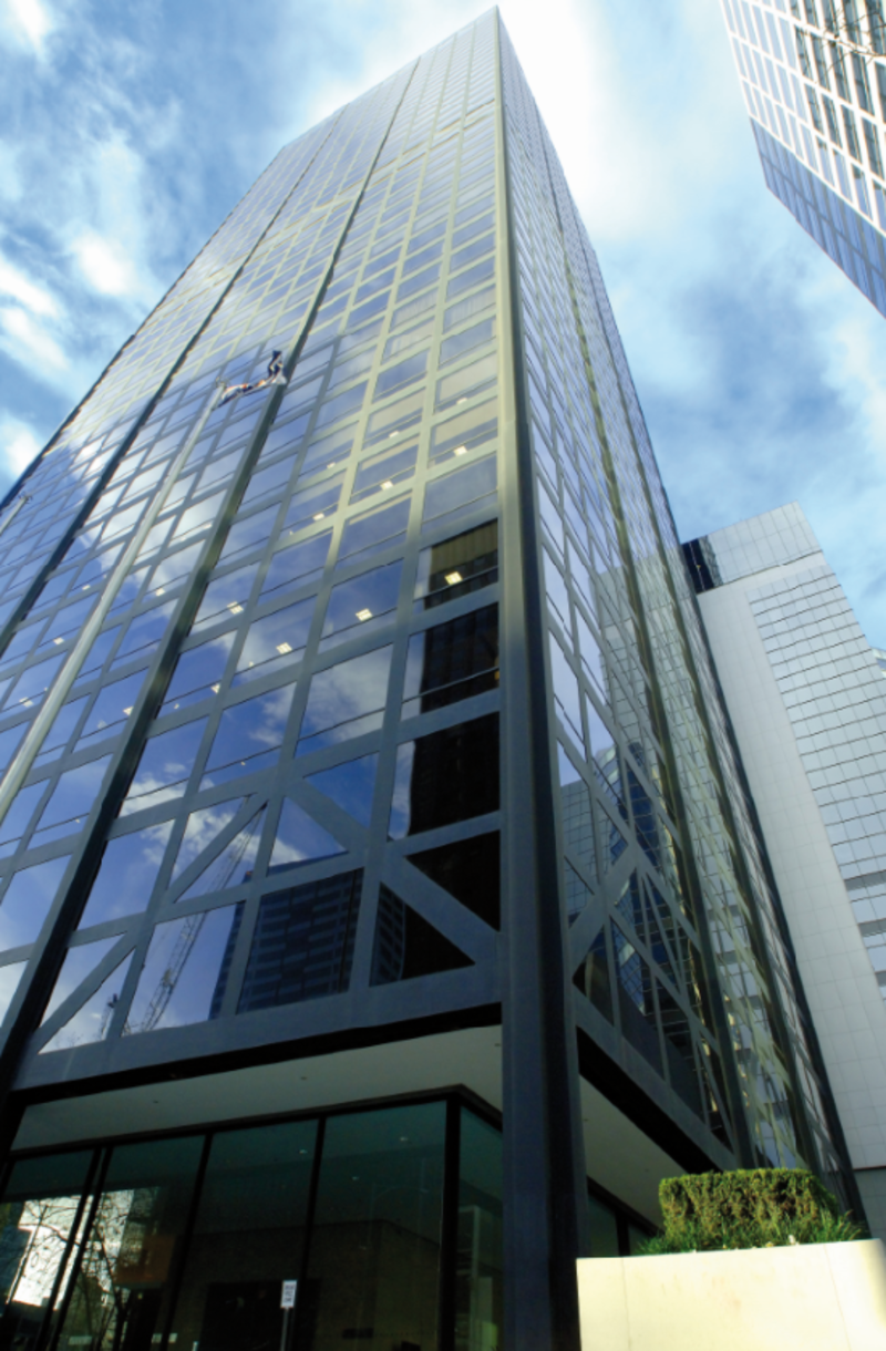 HIGH-QUALITY FITTED OFFICE SPACE IN THE CENTRE OF MELBOURNE FINANCIAL DISTRICT WITH SUPERB VIEWS