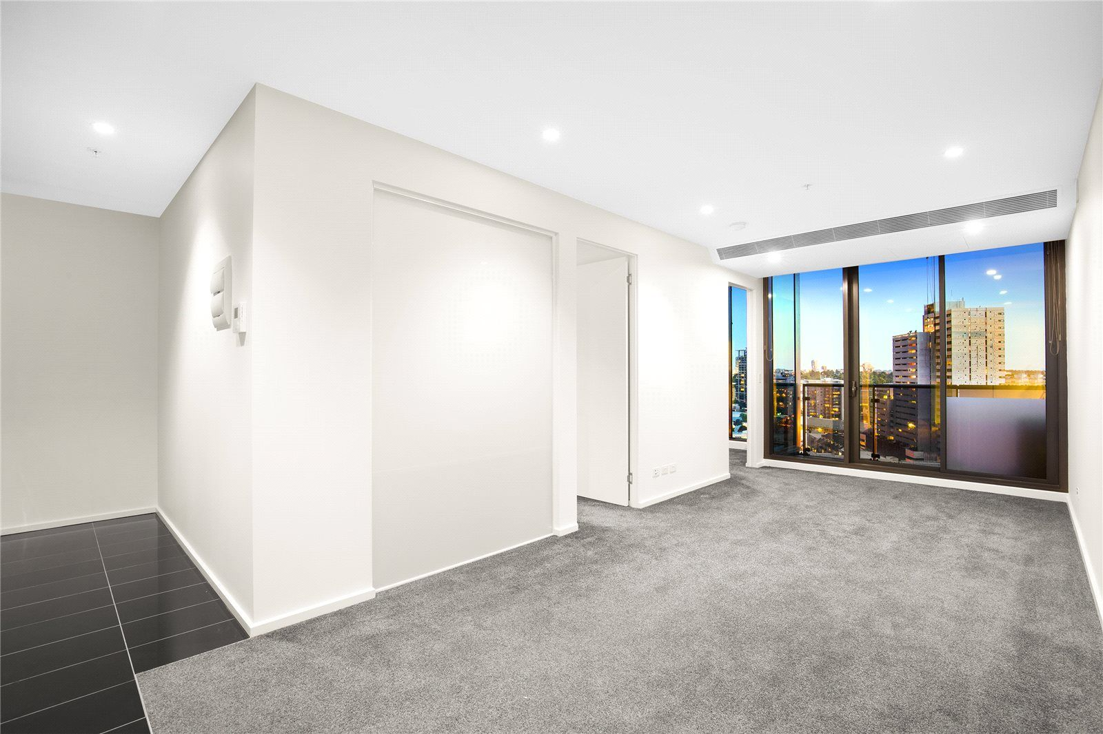 Southbank Grand: 26th Floor - Perfectly Positioned Two Bedroom Apartment With Stunning Views!