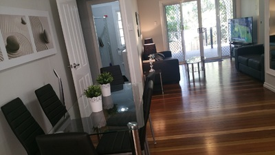 UQ Stays - At Uni doorstep! Outstanding rooms! 1min to Uni, air conditioning, fast internet, furnished, 32