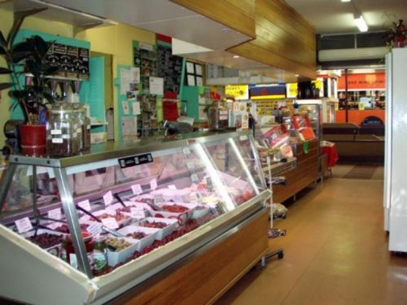 RELISH GOURMET DELI - EXCELLENT LOCATION - QUALITY BUSINESS!