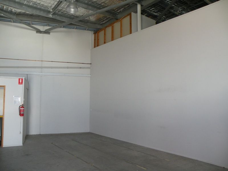 240 Sq Mtrs Office, Showroom and room for more !