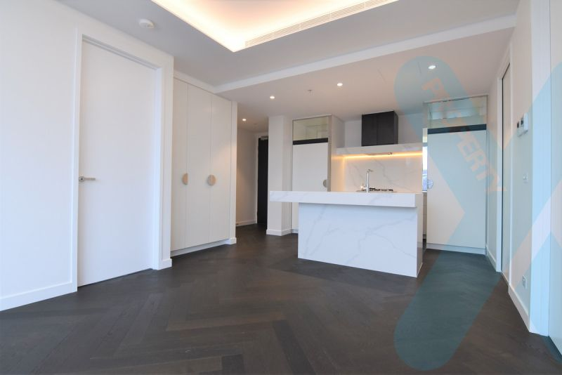 Two Bedroom Apartment with Carpark and Stunning City Views! ONE WEEK FREE RENT** Conditions Apply