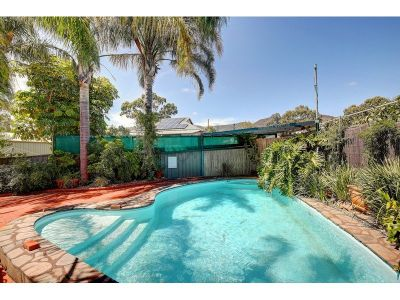 Designed for a Lifetime of Enjoyment - Quiet Cul De Sac Location Within Short Stroll To Linear Park